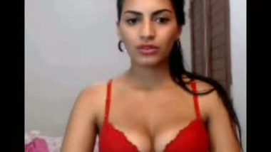 Mumbai College girl Nude on Cam Teasing her Lover