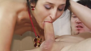 women fingering ass and suck cock
