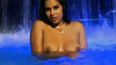 Bollywood babe Plays With The Erotic