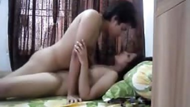 sweet n Hot babe in desi Indian XXX Honeymoon Scandal