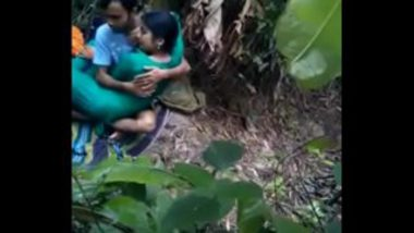 Indian Girl Fucked In Banana Farm