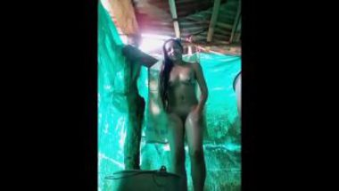 Bathing Video Of Desi Hottie Babe