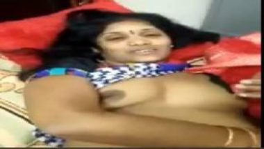 Playing With Big Boobs Of Hot Telugu Aunty In Saree