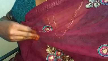 tamil aunty telugu aunty kannada aunty malayalam aunty Kerala aunty hindi bhabhi horny desi north ndian south indian horny vanitha wearing saree villa