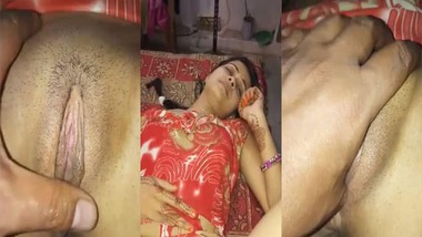 Indian Bhabhi pussy fingering by her secret lover