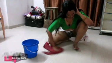 Indian flashes XXX fanny on camera washing floor in chudai sex poses
